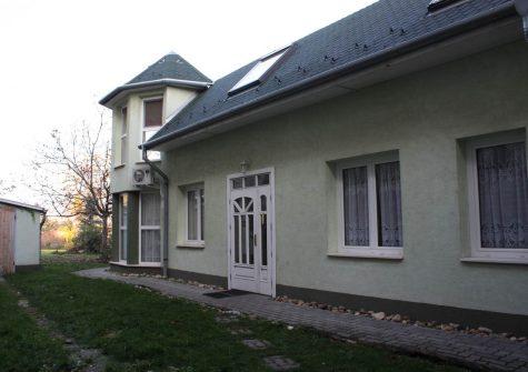 A/1005 Esztergom családi ház