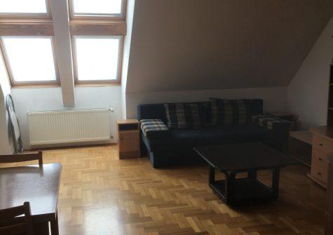 A/1100 Esztergomban, 2 szobás lakás kiadó 150 000Ft/hó