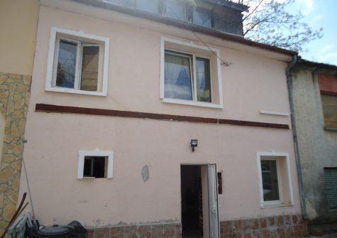 E/851 Esztergom cs.ház 9,5mft